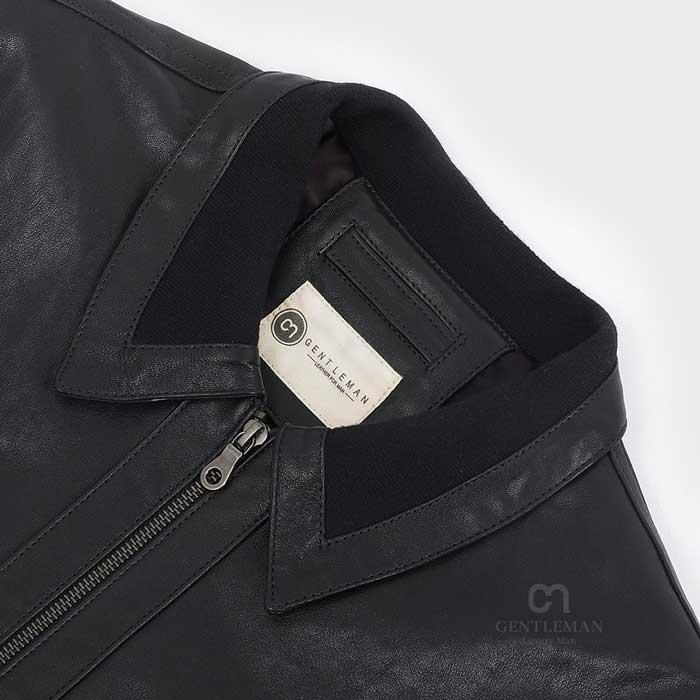 Cách kiểm tra áo da dê thật: Áo da dê thật sẽ mềm mịn, khi sờ sẽ có cảm nhận rất thích tay