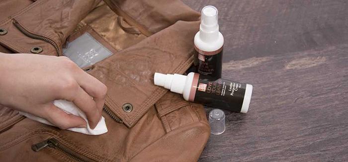 Cách sử dụng dung dịch bảo dưỡng áo da rất đơn giản và không quá tốn thời gian