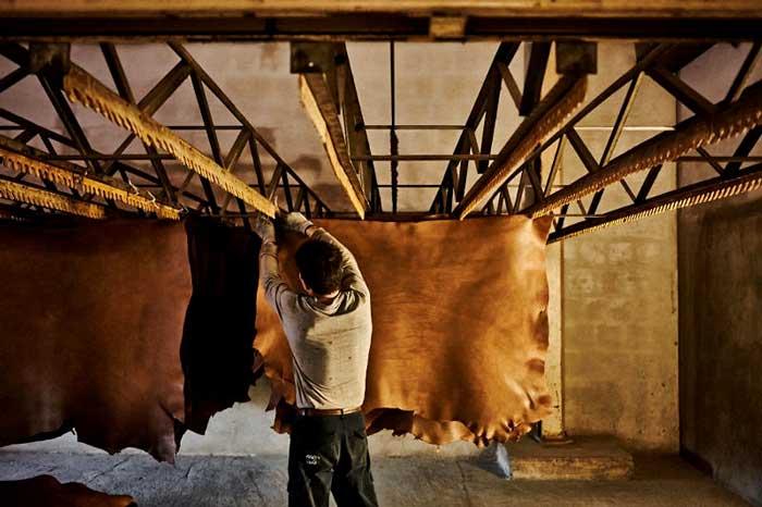Áo da dê thuộc thảo mộc được chiết xuất từ thiên nhiên, rất thân thiện với môi trường