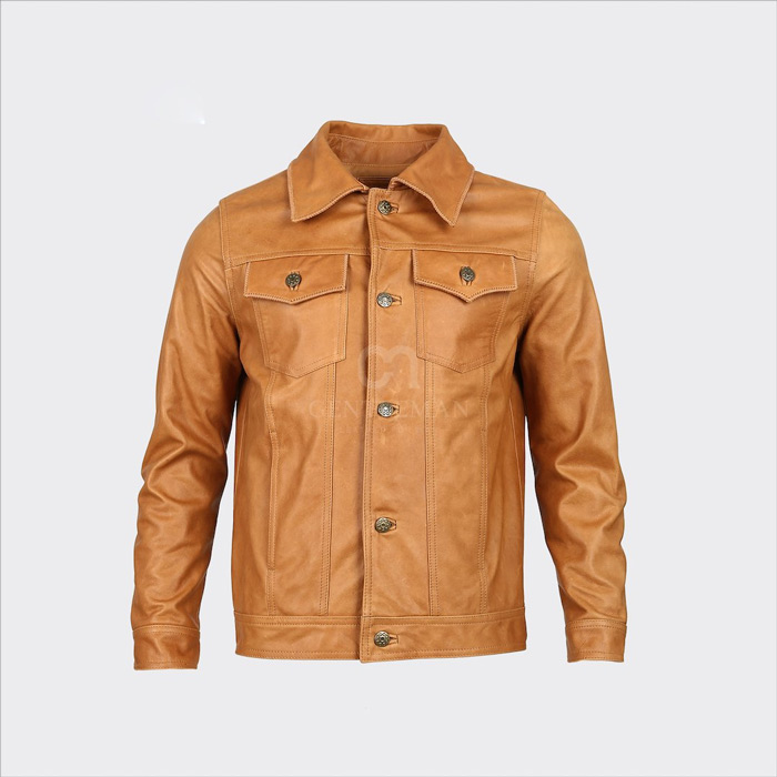 Thiết kế 7 mảnh đầy khỏe khoắn của chiếc áo da bò cổ bẻ