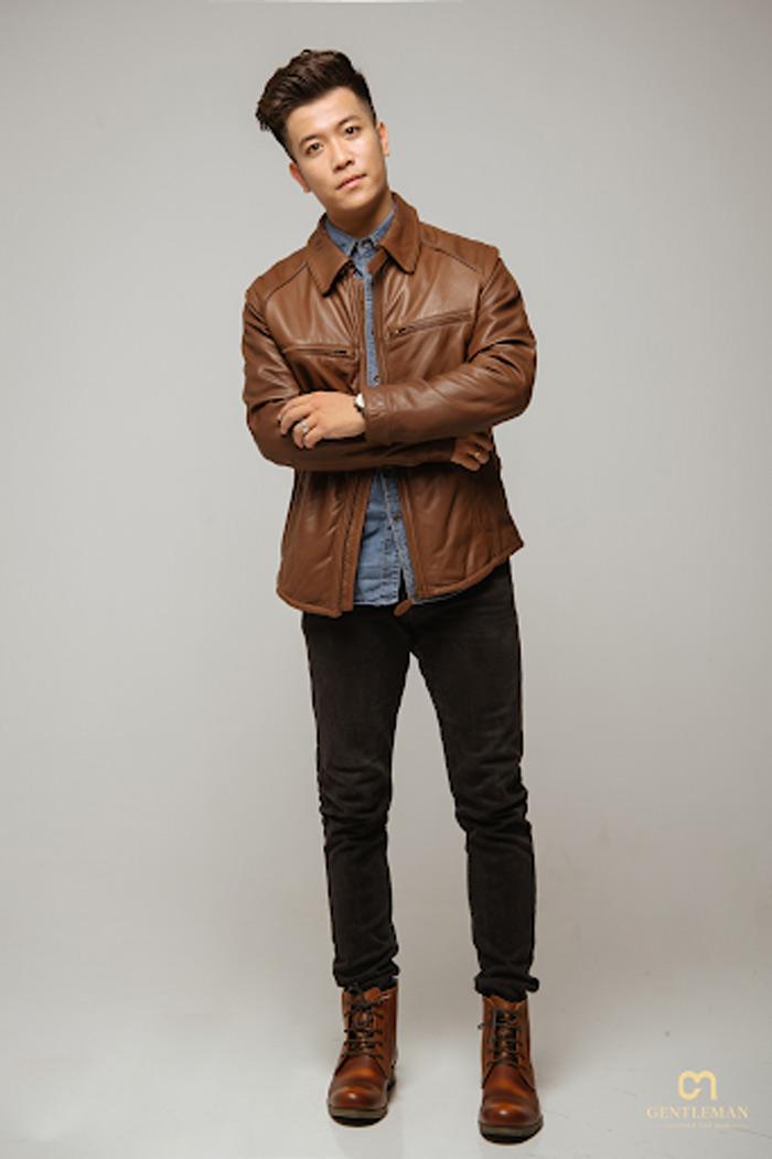 Áo da màu bò và denim là bộ đôi ăn ý cho chàng trai theo đuổi phong cách bụi bặm, streetstyle