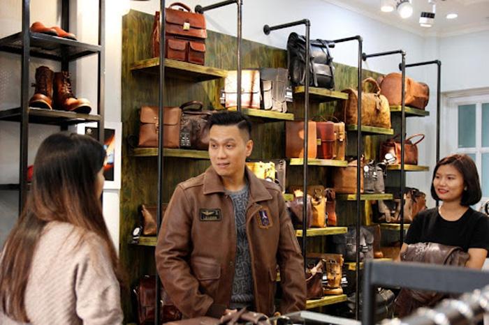 Gentleman – địa chỉ mua áo da bò cổ bẻ chất lượng hàng đầu được các sao nam trong showbiz Việt tin chọn.