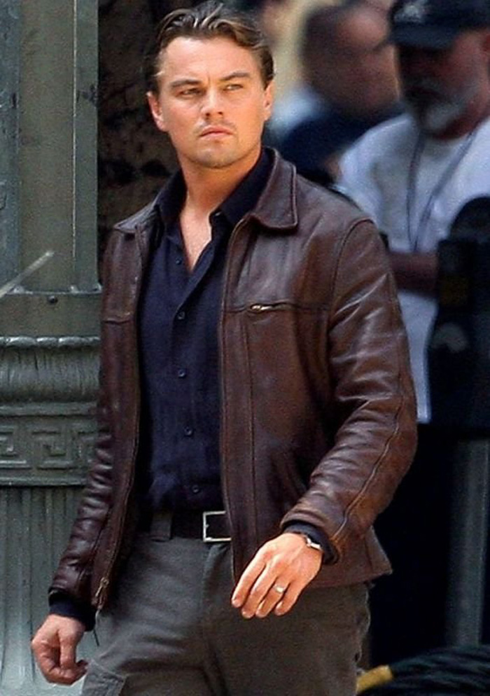 Tài tử điện ảnh Leonardo Dicaprio mặc áo khoác da cổ bẻ trong phim Inception